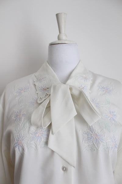 VINTAGE PUSSYBOW NECK TIE EMBROIDERED WHITE BLOUSE - SIZE