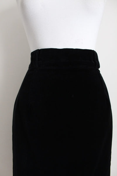 BLACK VELVET VINTAGE FITTED PENCIL SKIRT - SIZE 10