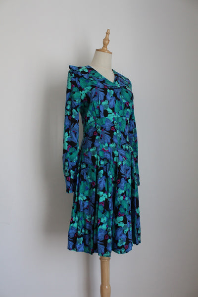 VINTAGE BLUE FLORAL PRINT PETER PAN COLLAR DRESS - SIZE 8