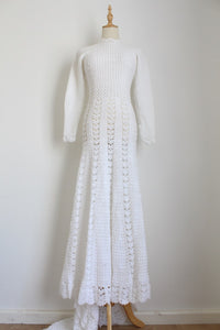 VINTAGE CROCHET KNIT WHITE WEDDING DRESS - SIZE 8
