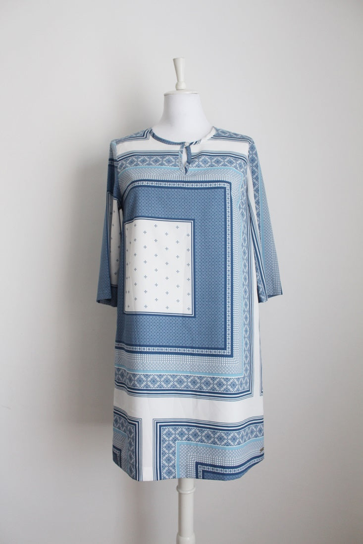 *PRINGLE OF SCOTLAND* DESIGNER BLUE WHITE PRINT TUNIC DRESS - SIZE 10