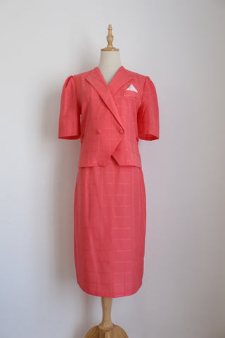VINTAGE CORAL TWO PIECE SKIRT JACKET SET - SIZE 6