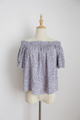 WITCHERY OFF THE SHOULDER PRINT TOP BLUE - SIZE 6