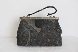 VINTAGE AZTEC TAPESTRY GREY DOCTORS STYLE BAG