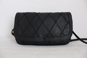 VINTAGE BLACK GENUINE LEATHER PATCH SHOULDER BAG