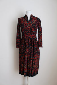 VINTAGE PAISLEY BIRD PRINT BLACK RED DAY DRESS - SIZE 8