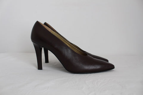 YVES SAINT LAURENT DESIGNER LEATHER HEELS - SIZE 5