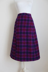 100% WOOL VINTAGE PURPLE KNIT A-LINE SKIRT - SIZE 10