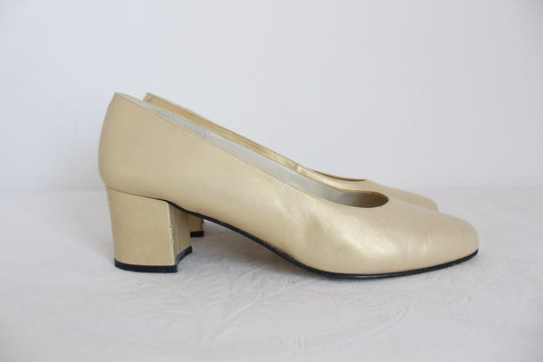 VINTAGE TONY MOLLA GENUINE LEATHER GOLD HEELS - SIZE 5