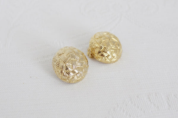 VINTAGE BASKET WEAVE GOLD TONE CLIP-ON EARRINGS