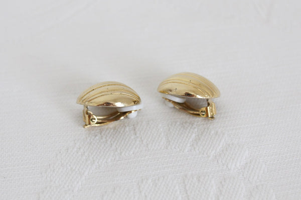 VINTAGE GOLD TONE BALLOON CLIP-ON EARRINGS