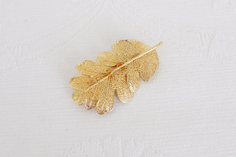 VINTAGE LEAF SKELETON GOLD TONE BROOCH PIN