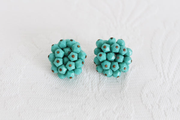 VINTAGE TURQUOISE BEADED CLUSTER CLIP-ON EARRINGS
