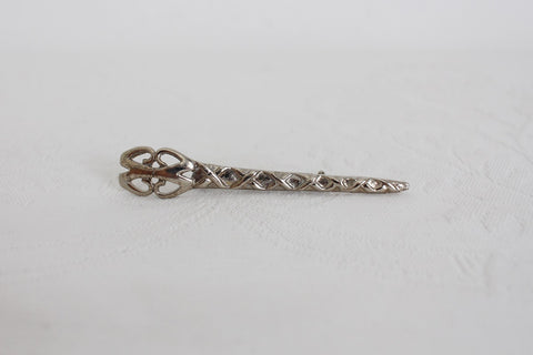VINTAGE SILVER TONE SCISSORS BROOCH PIN