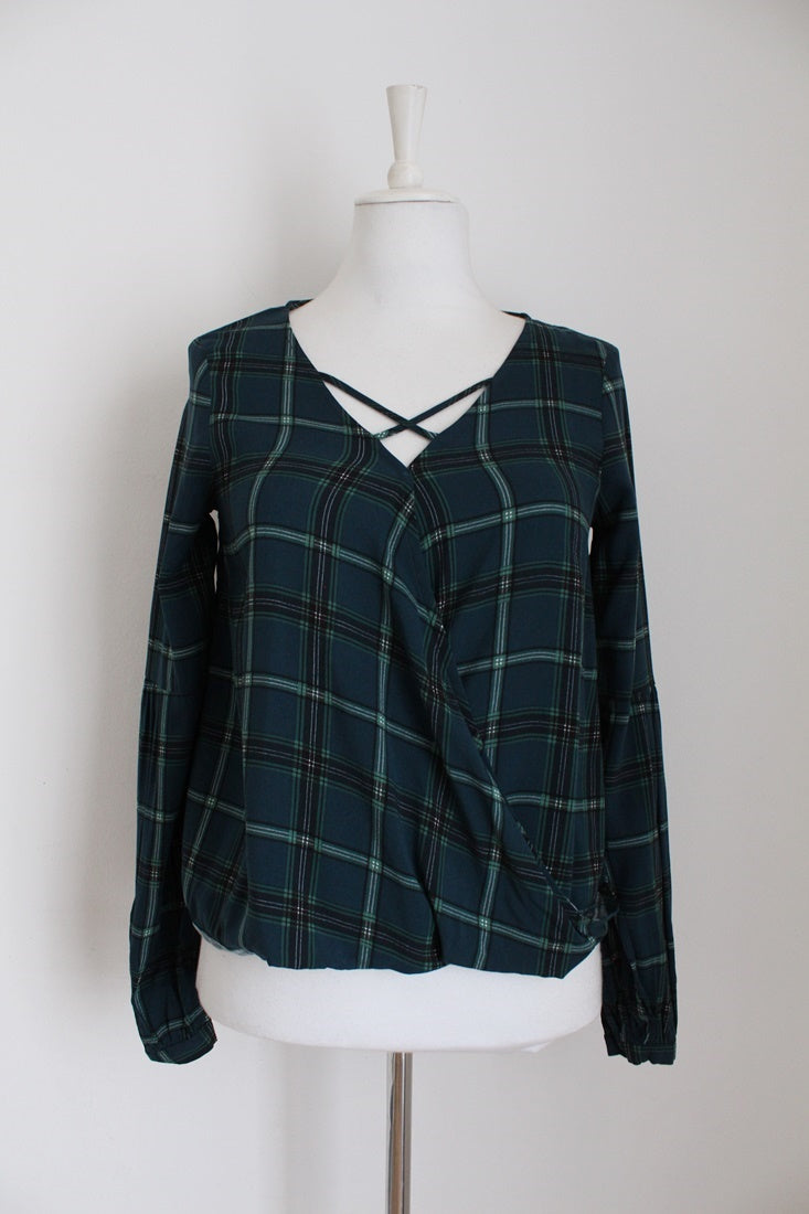 DUE SOUTH PLAID GREEN CROSS BUST TOP - SIZE 6