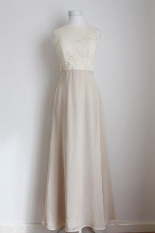 BELOVED OFF-WHITE LACE BRIDAL WEDDING DRESS - SIZE 6