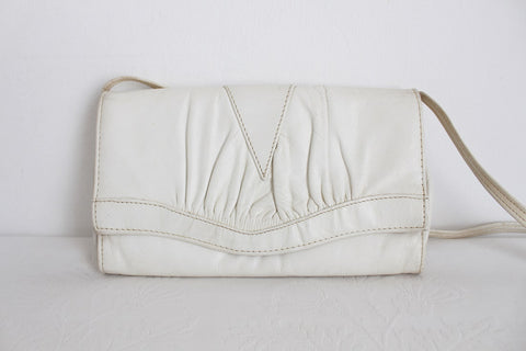 VINTAGE WHITE GENUINE LEATHER SLING BAG