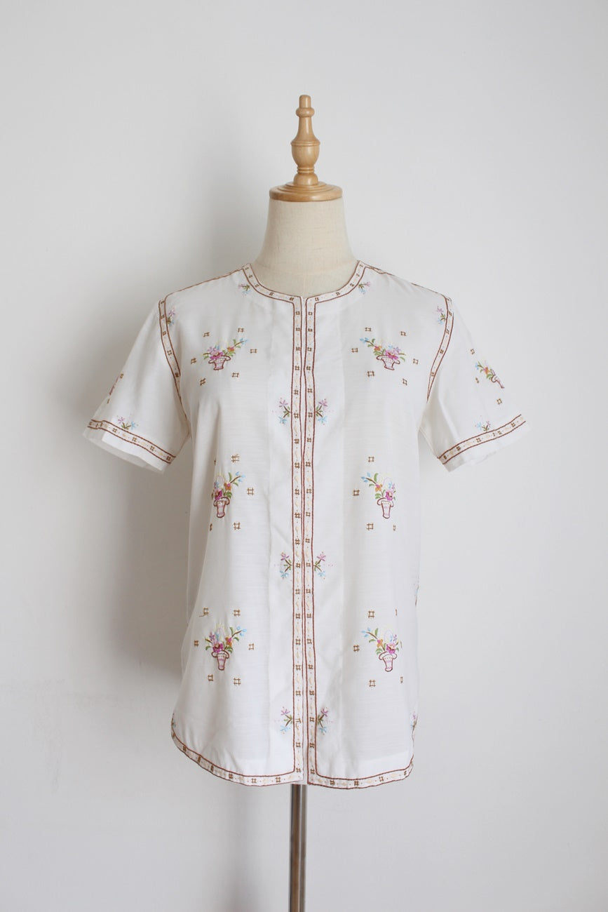 VINTAGE LILY HAND EMBROIDERED BLOUSE - SIZE 8