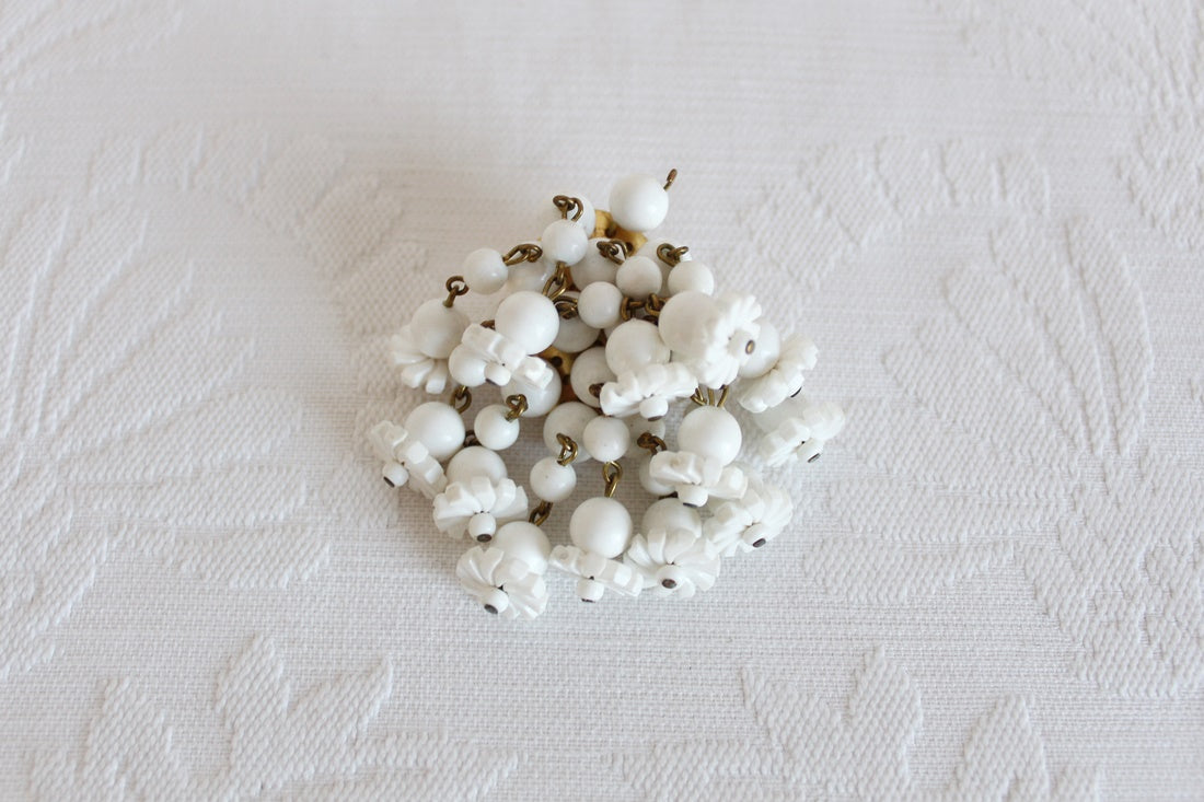 VINTAGE CLUSTER BEADED WHITE BROOCH PIN