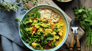 Coconut, Pea & Cauliflower Curry