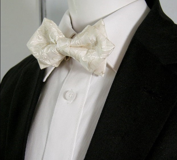 Men's bow tie with a luxurious design