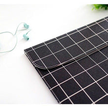 BLACK GRID LAPTOP SLEEVE