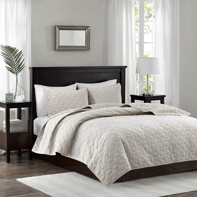 Madison Park Emery Faux Velvet Reversible 3 Piece Coverlet Set (King - Cal King - Ivory)