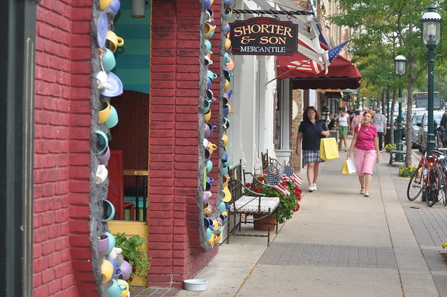 shopping downtown petoskey michigan