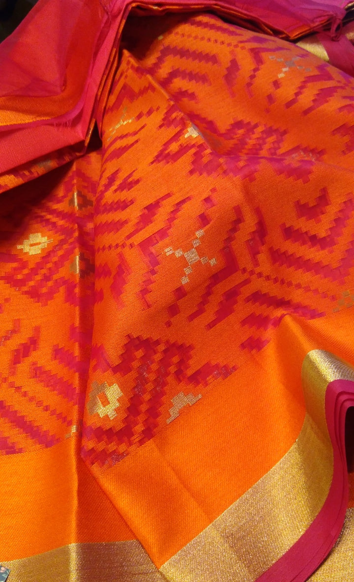 bright kora saree in orange and pink with geometric pattern - EthnicRoom