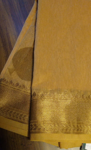Light beige plain soft linen saree with golden border heavy zari aanchal and blouse - EthnicRoom