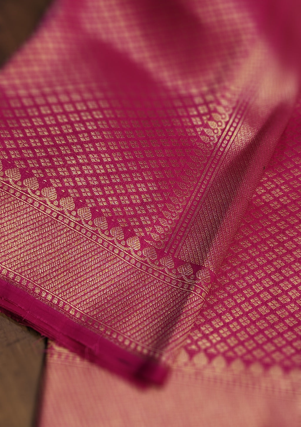 Bright pink silk brocade dupatta - EthnicRoom