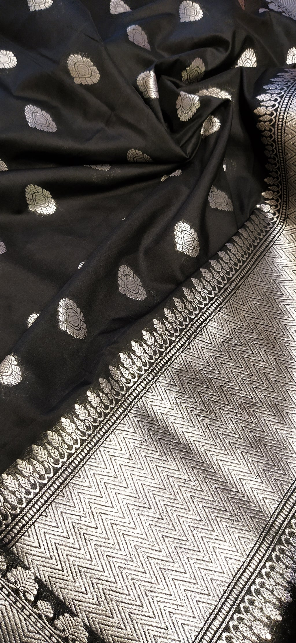 Black silk dupatta with allover butties - EthnicRoom