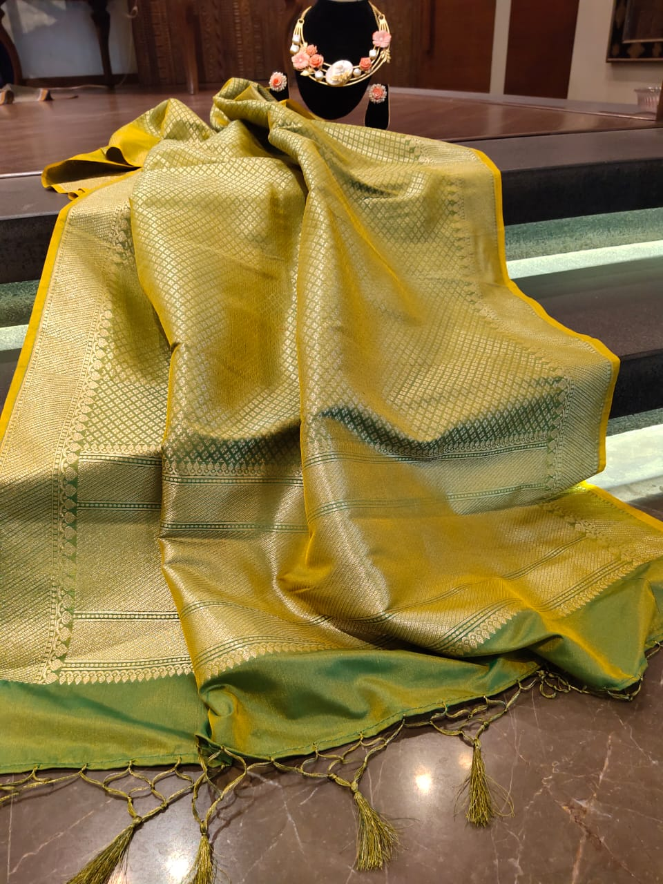 Green dupatta with silver zari and motifs all over - EthnicRoom