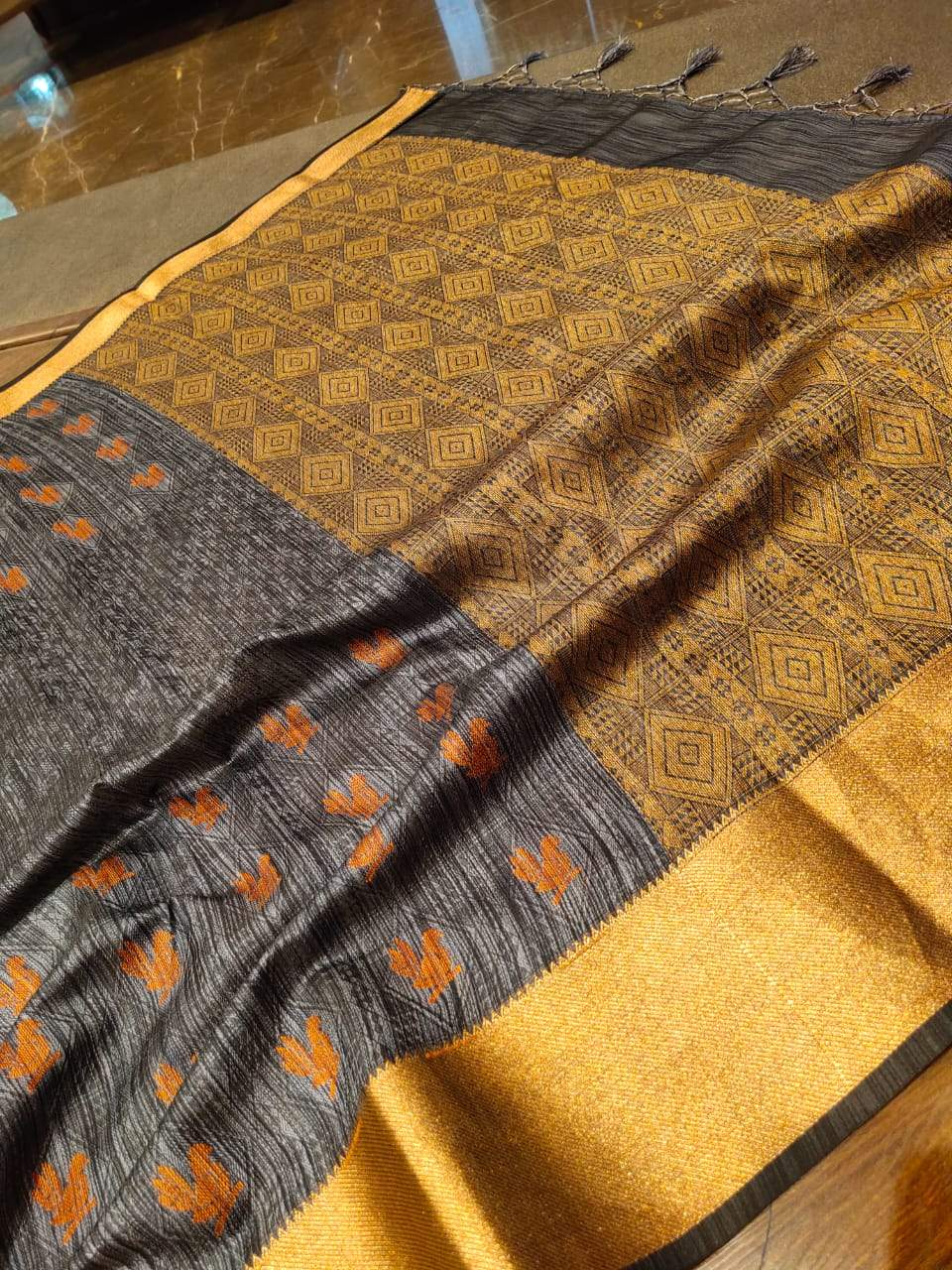 Grey linen saree with golden zari and bird motifs all over - EthnicRoom