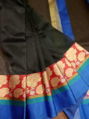 Black chanderi saree with golden flower motifs on red border - EthnicRoom