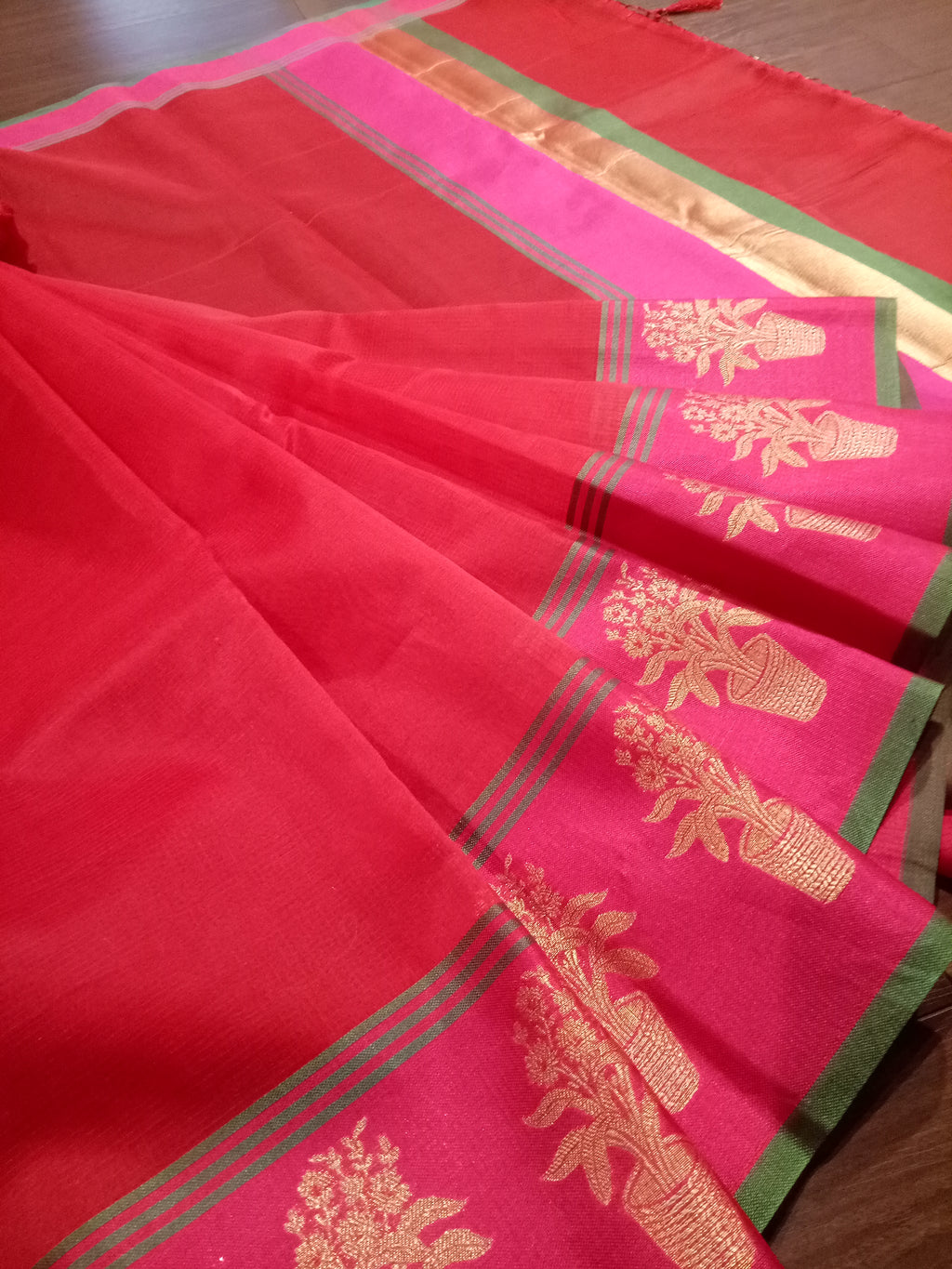 Red Chanderi saree with pink border and flowers motifs on it - EthnicRoom