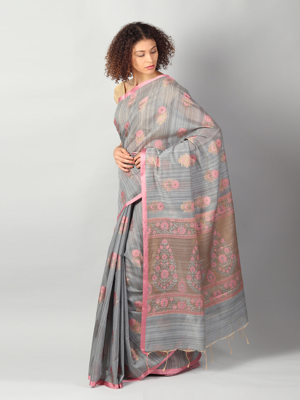 Gray jute silk with kadwa booties allover & brocade aanchal & blouse