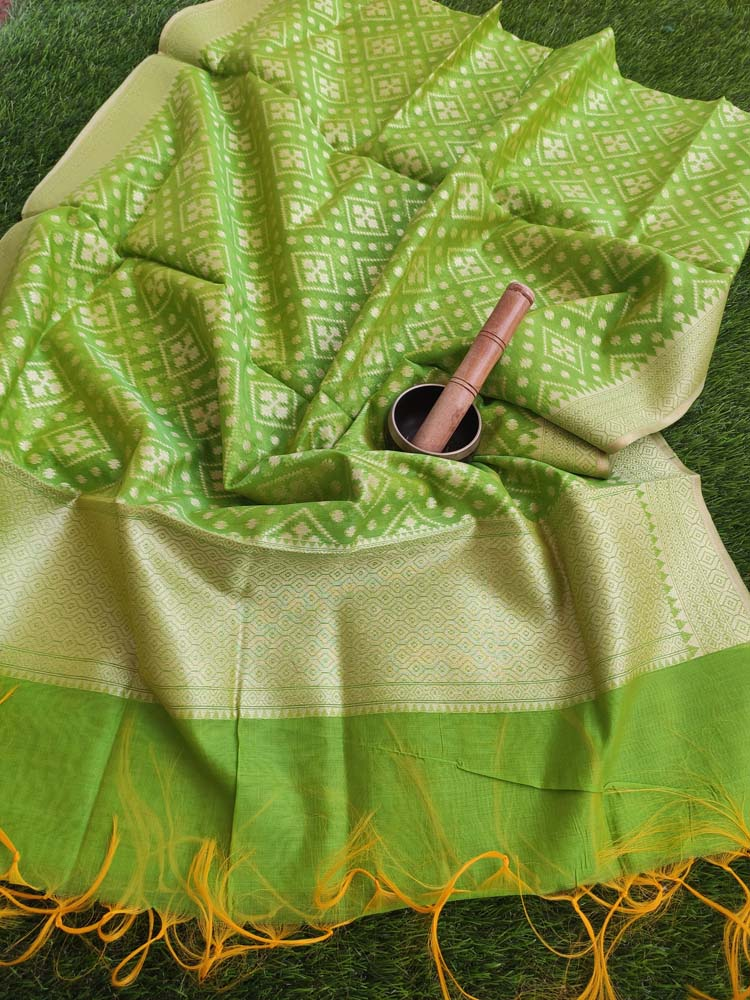 Bright green woven jaal on chanderi dupatta with tassels at end