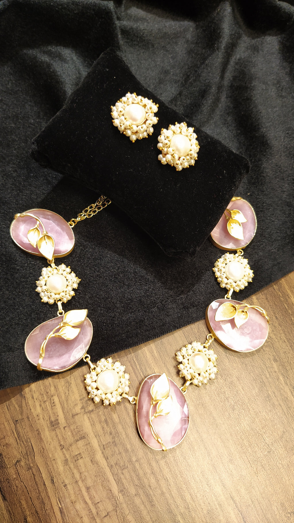 Pastel shades+ floral motifs+ pearls necklace set