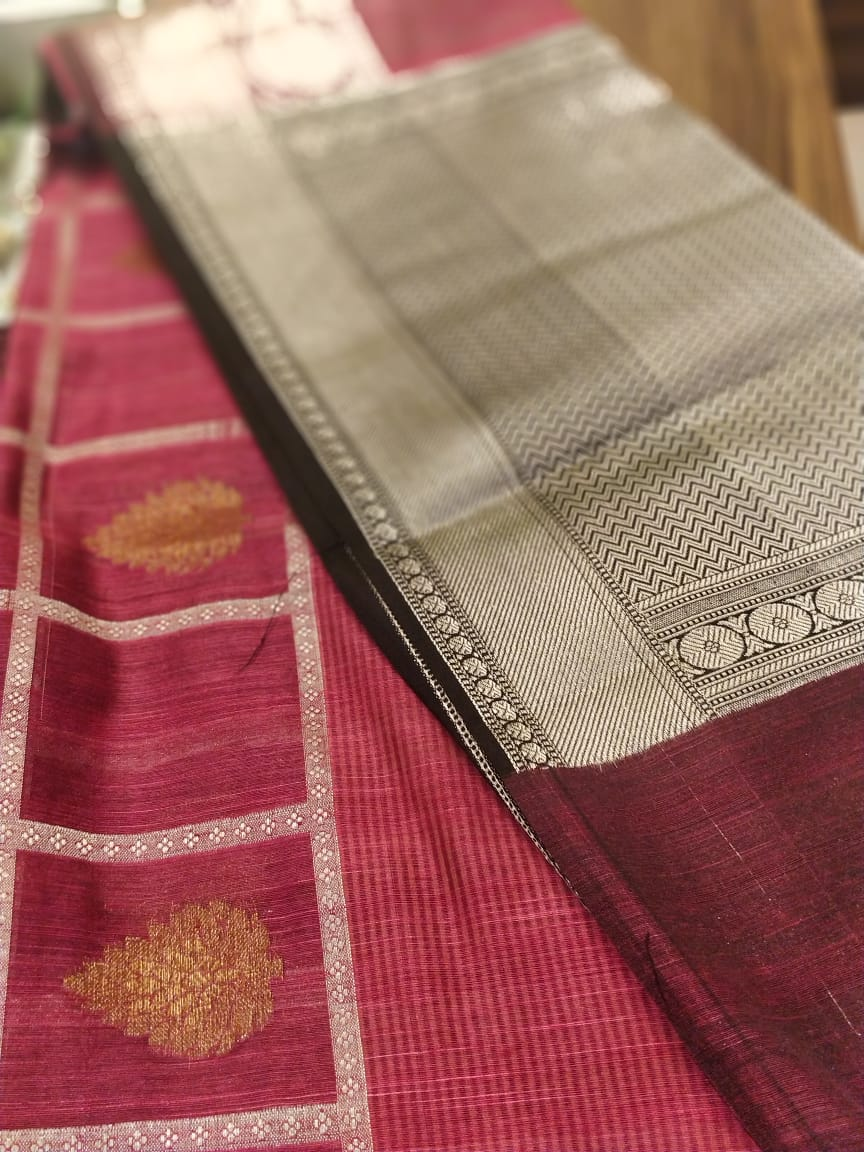 Magenta pink with silver checks in cetre and silver zari aanchal and blouse- Noor - EthnicRoom