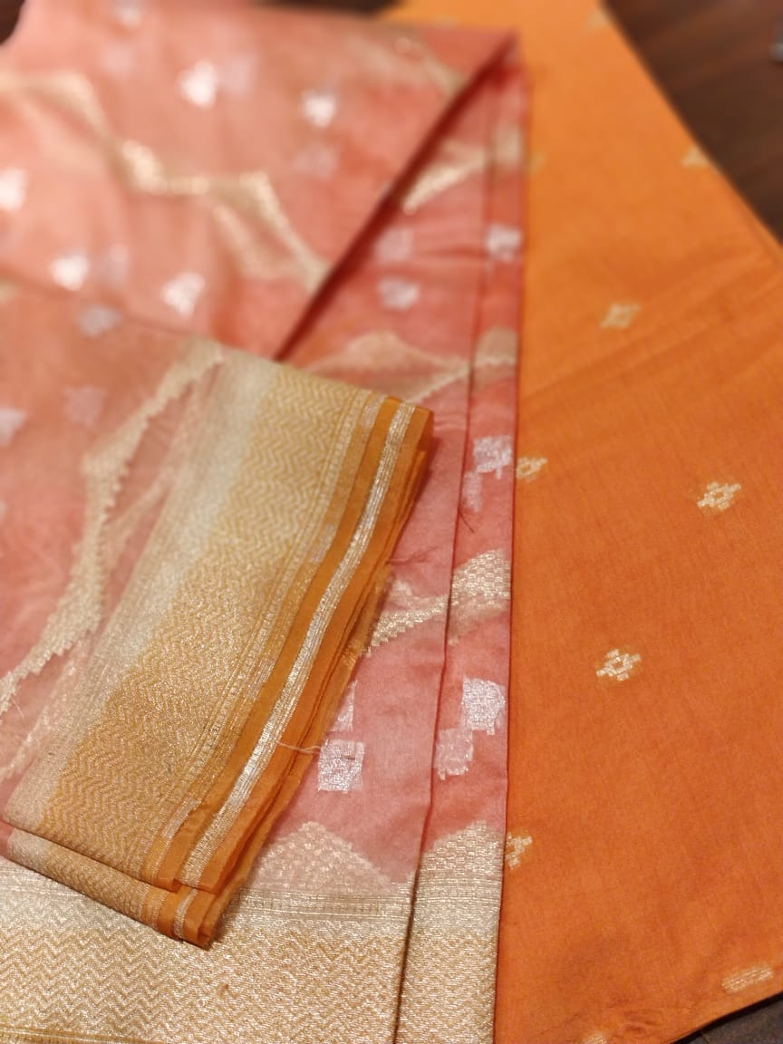Peach organza dupatta with bright orange woven dyeable kurta