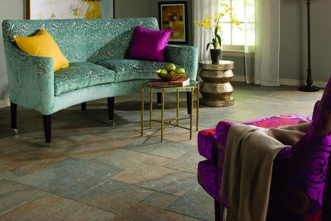 Natural slate ayers rock tile, sitting room floor, different sizes show an elegant pattern.