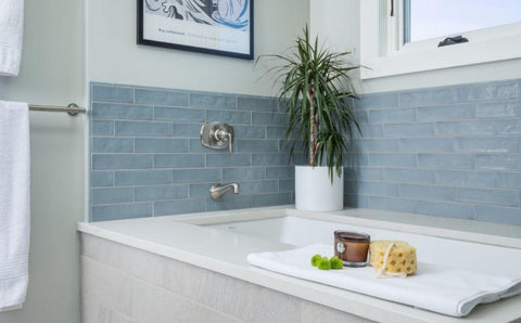 Carta da Zucchero Bumi Design blue tile bathtub backsplash