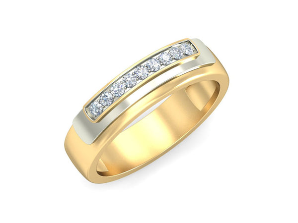 SOPHISTICATED DIAMOND STUDDED BAND RING