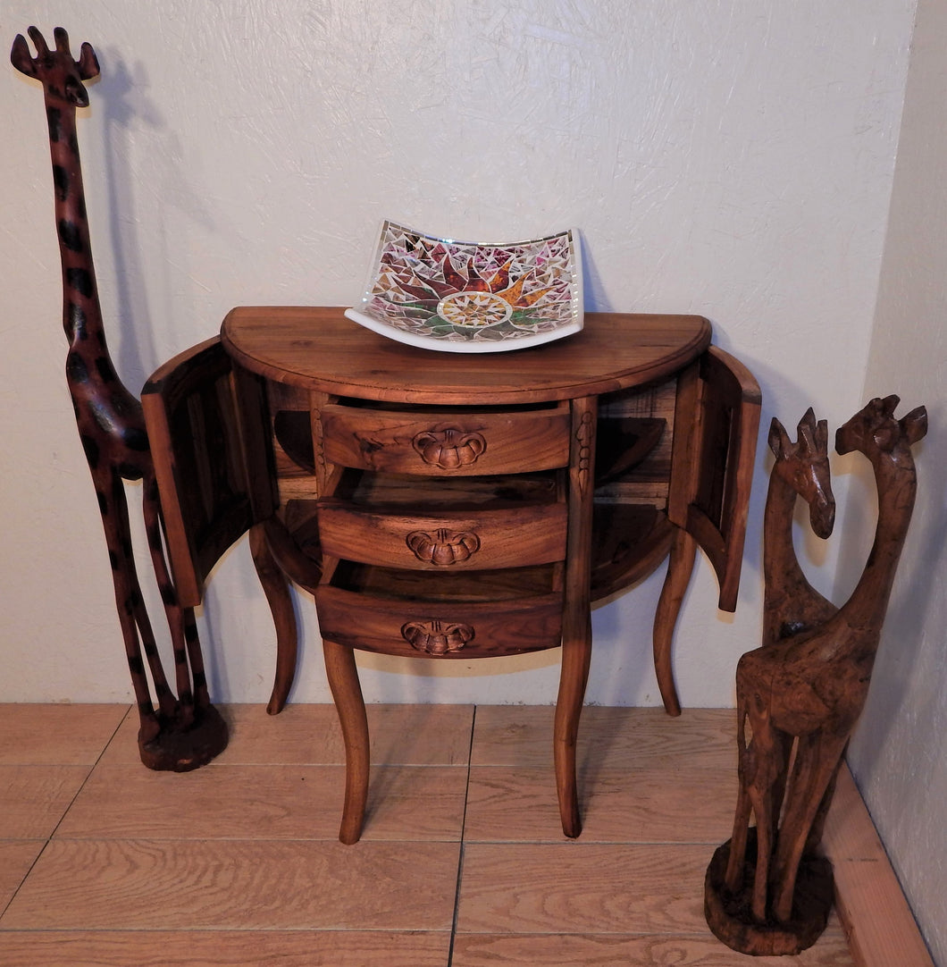 Giraffe handcrafted from Seringa wood