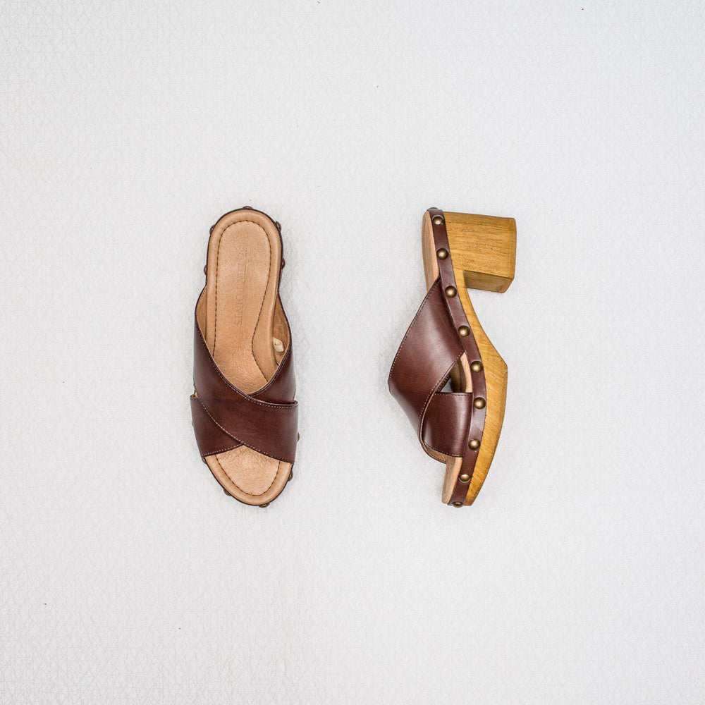 Frida | brushed leather