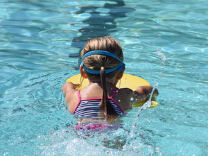 5 swimming bag hacks for kids