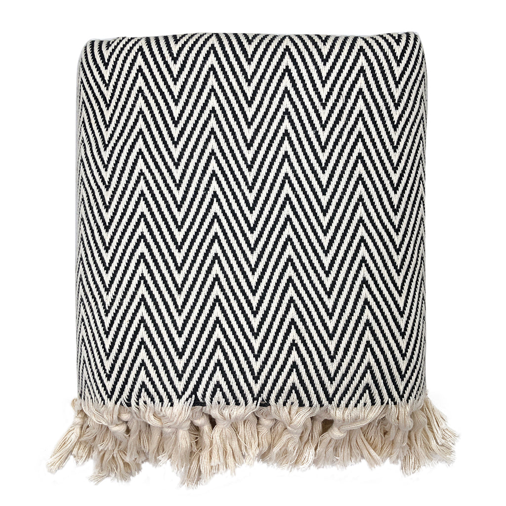 Chunky chevron turkish throw in black and white pattern 100% Turkish cotton