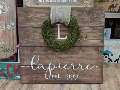 Pallet Wreath Sign