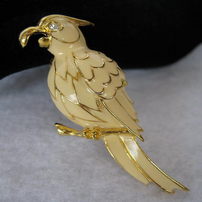 BEAKMONGOUS COCKATOO PIN